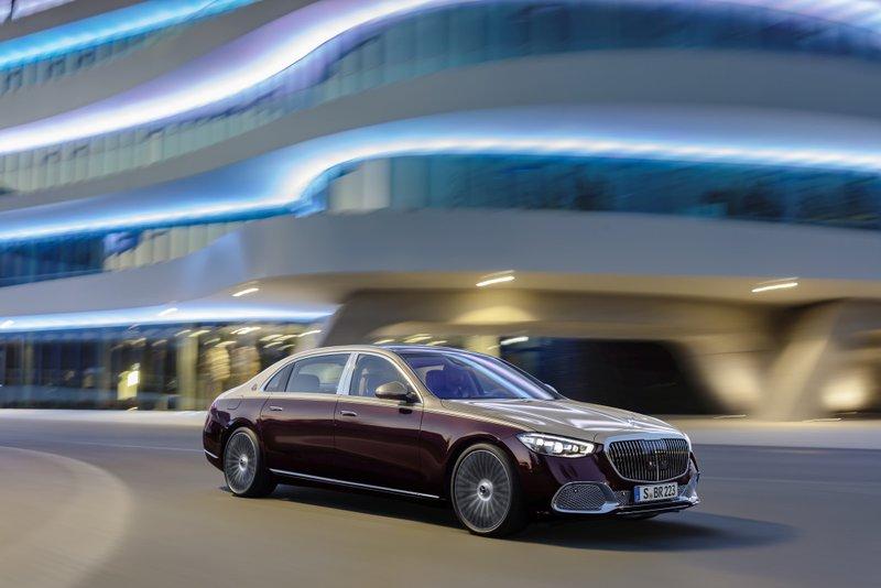 Premiera: Mercedes-Maybach razred S - ostaja posebnež in stremi k vrhu