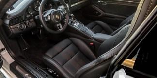 На моделях Porsche всегда будут руль и педали