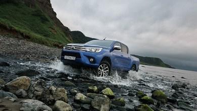 Фото Toyota Hilux - вид спереди.
