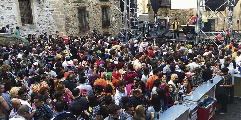 El Carnaval de Cáceres busca hacerse un hueco en el calendario