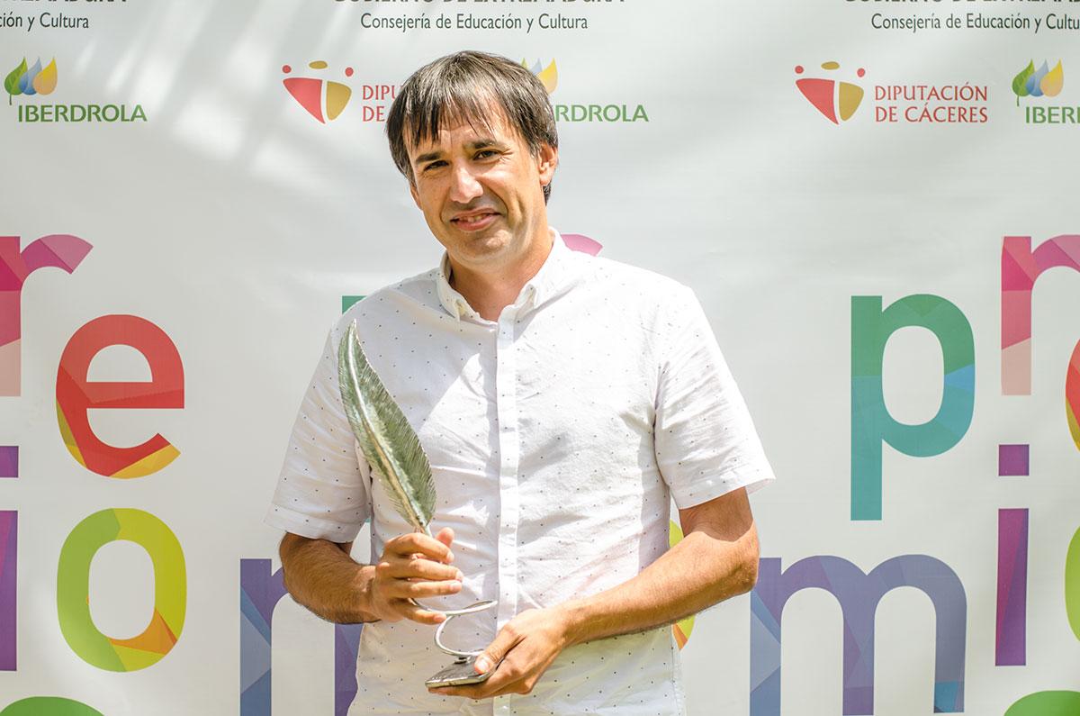 Ángel l. Fernández Recuero  Cofundador y editor de Jot Down Premio Avuelapluma Promoción Cultural