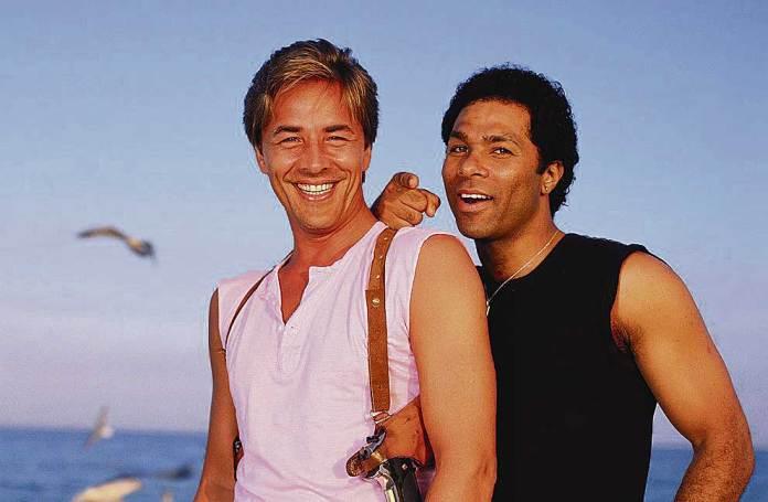 Miami-Vice-Detective-Ricardo-Tubbs-James-Crockett-Rolling-Stone-1985-Shoot-e1436194821781