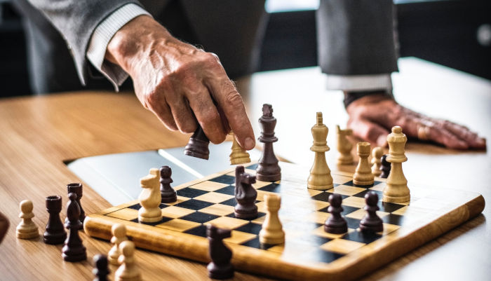 How to be a Leader, Study Shows Optimal Path