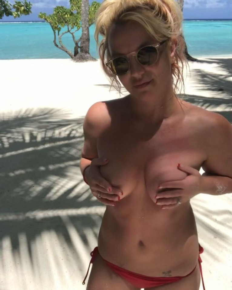 Britney Spears shares nude photos from vacation after conservatorship win 2