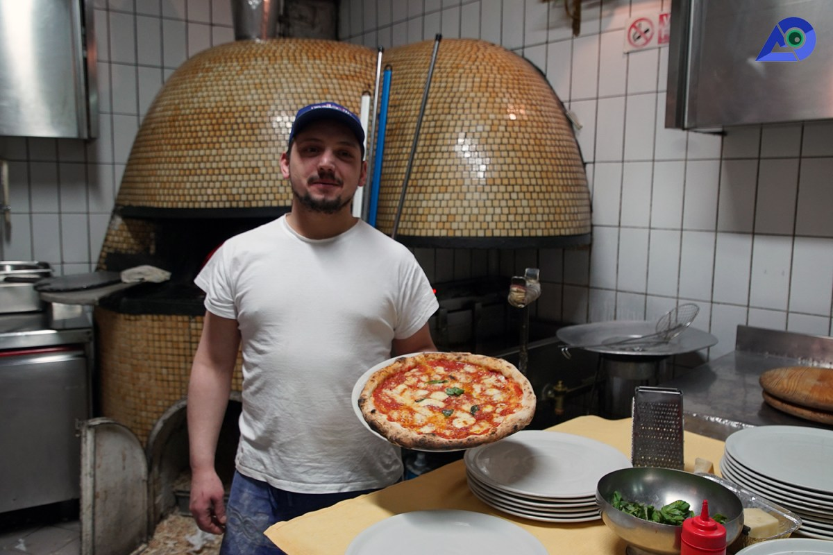 Discovering Naples Through Pizzas: A Tasty Guide | Pizza
