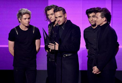 One Direction win three AMAs, including Artist of the Year