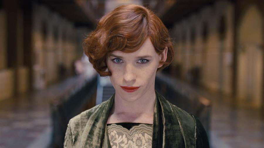 Eddie Redmayne is ready for his close-up in the first trailer for 'The Danish Girl'