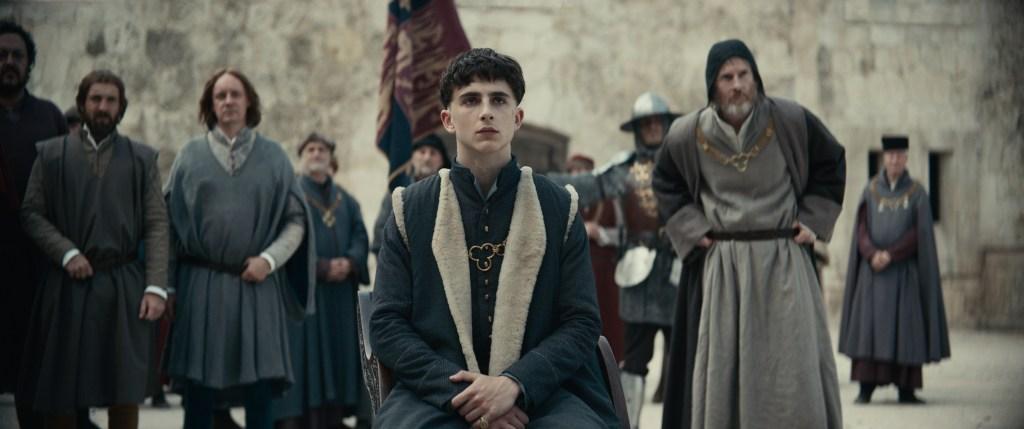 The King - Steven Elder, Timothée Chalamet, Sean Harris - Photo Credit: Netflix