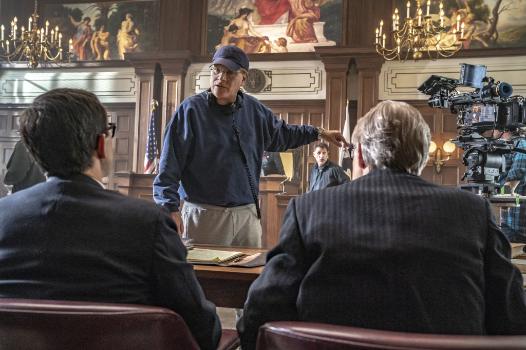 THE TRIAL OF THE CHICAGO 7 (L to R) JOSEPH GORDON-LEVITT as Richard Schultz, AARON SORKIN Director/Writer, J.C. MACKENZIE as Thomas Foran in THE TRIAL OF THE CHICAGO 7. Cr. NIKO TAVERNISE/NETFLIX © 2020