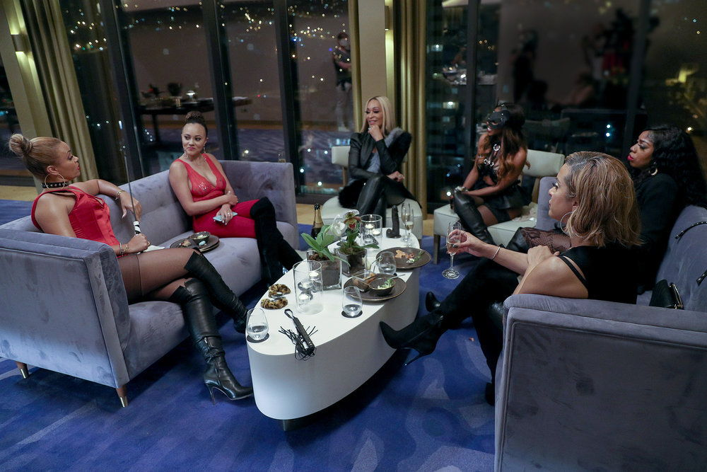 THE REAL HOUSEWIVES OF POTOMAC -- Pictured: (l-r) Gizelle Bryant,  Ashley Darby, Karen Huger, Candiace Dillard Wendy Osefo, Robyn Dixon -- (Photo by: Carlos Rodriguesi/Bravo)