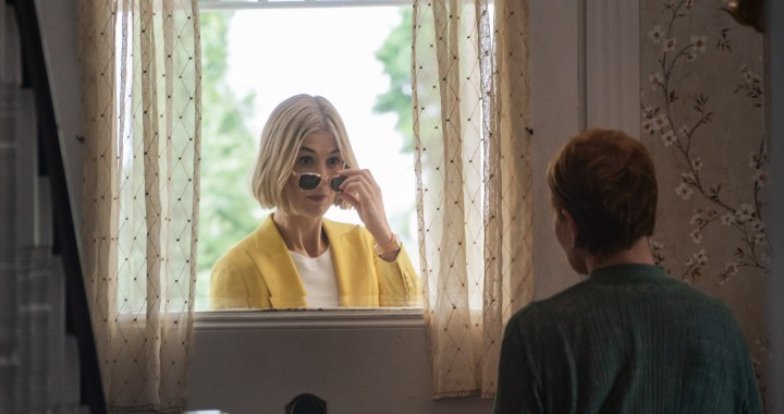 "I Care A Lot: (L to R) Rosamund Pike as ""Martha"" and Dianne Wiest as ""Jennifer"". Photo Cr. Seacia Pavao / Netflix"