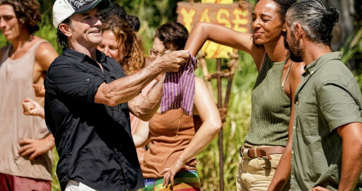 """""""Ready to Play Like a Lion""""  — Jeff Probst and Shantel Smith on the sixth episode of SURVIVOR 41, airing Wednesday, Oct. 27 (8:00-9:00 PM, ET/PT) on the CBS Television Network, and available to stream live and on demand on Paramount+. Photo: Robert Voets/CBS Entertainment 2021 CBS Broadcasting, Inc. All Rights Reserved."""