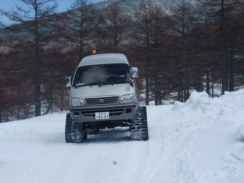 雪上車登場