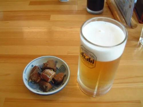 生ビールと、お通し