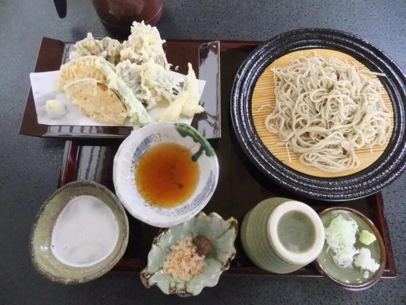 二味(ふたあじ)そばと天ぷら