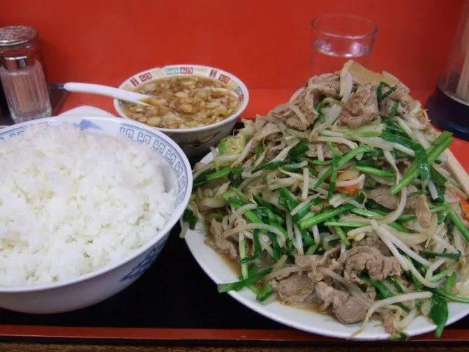 肉野菜炒め定食LLの勇姿