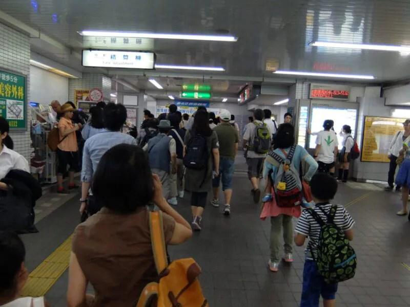 横須賀中央駅は人がいっぱい