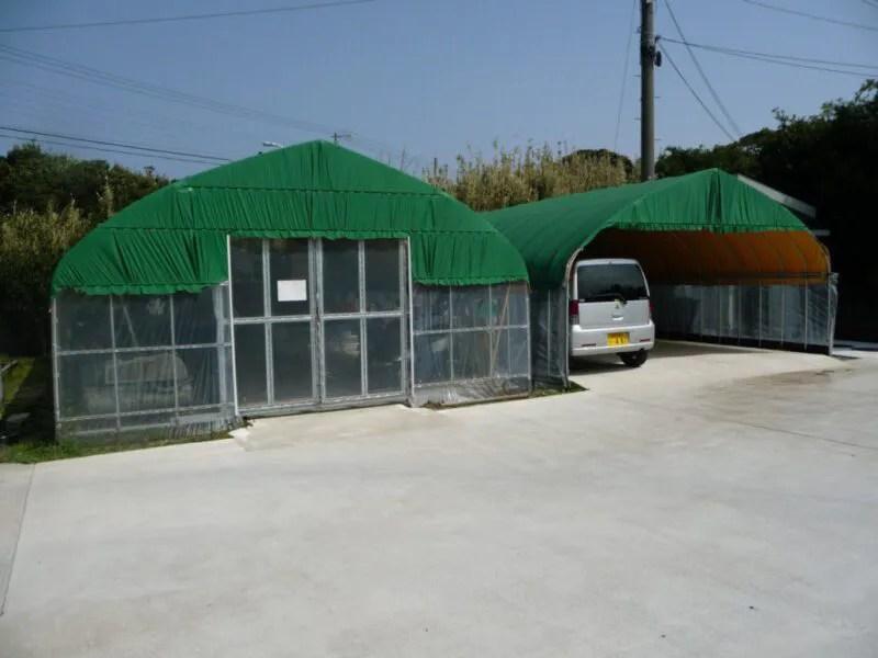 屋根付きモータープール