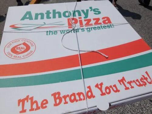 40センチのピザの箱