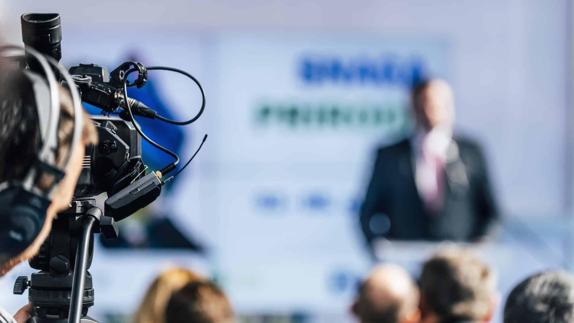 MoIQ : lance une application multiplateforme de diffusion mondiale de télévision 24h/24 et 7j/7. via @awasocial