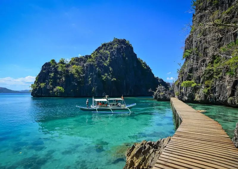 el nido - Top 10 Beaches in the Philippines