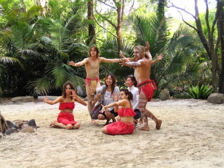 Daytrips Brisbane_Currumbin Aboriginal Show