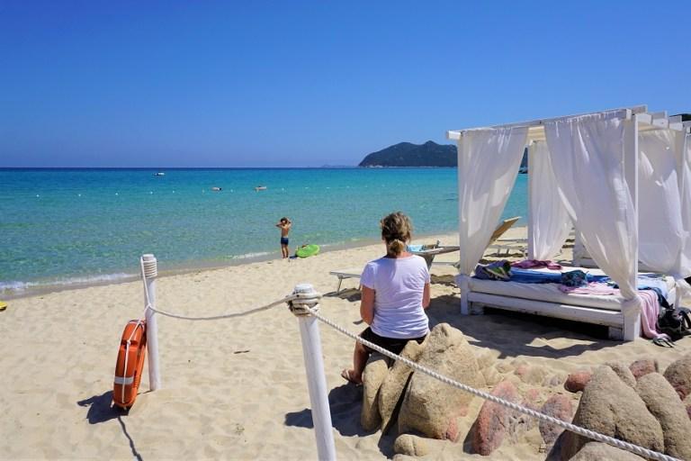 Highlights Sardinien_Cala di Monte Turno_IKI Beach Beach Beds