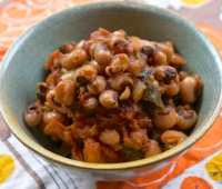 smoky, spicy bbq baked black-eyed peas