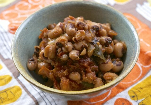 Spicy, smoky barbecue black-eyed peas