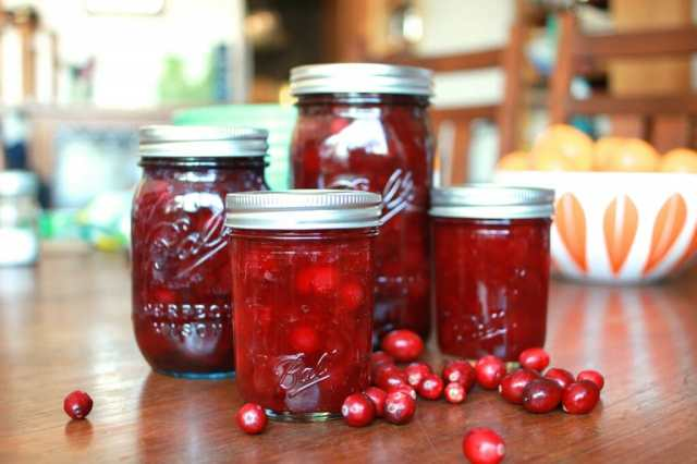 pickled-cranberries-1024x682