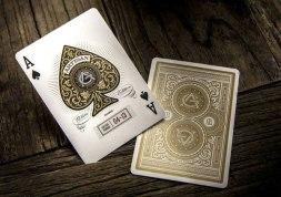 Крутые игральные карты делает фирма Theory 11.
