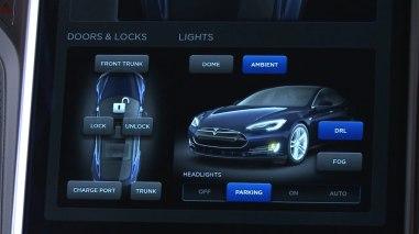 Интерфейс приборной панели автомобиля Тесла Модель С (Tesla Model S)
