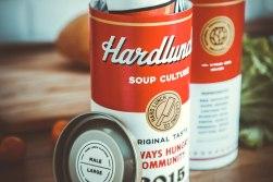 Упаковка коллекции футболок «Soup Culture» питерского бренда «Hard Lunch»