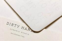 Тёплая айдентика гончарной студии Dirty Hands