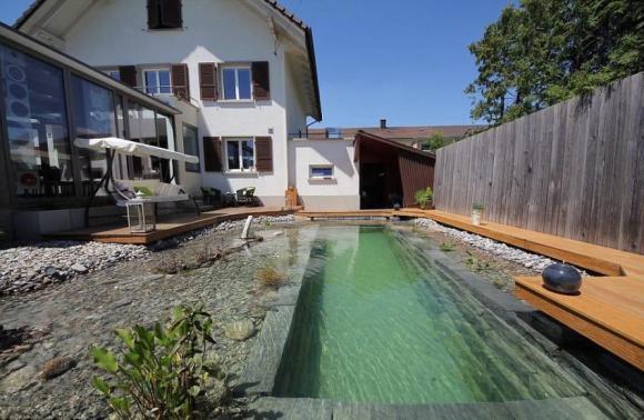pool-13-850x554