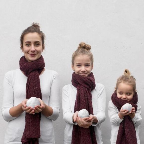 Mãe e filhas em fotos divertidas (28)
