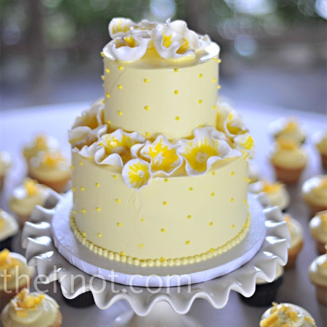 Yellow Abstract Flower Wedding Cake   A Wedding Cake Blog Yellow Abstract Flower Wedding Cake