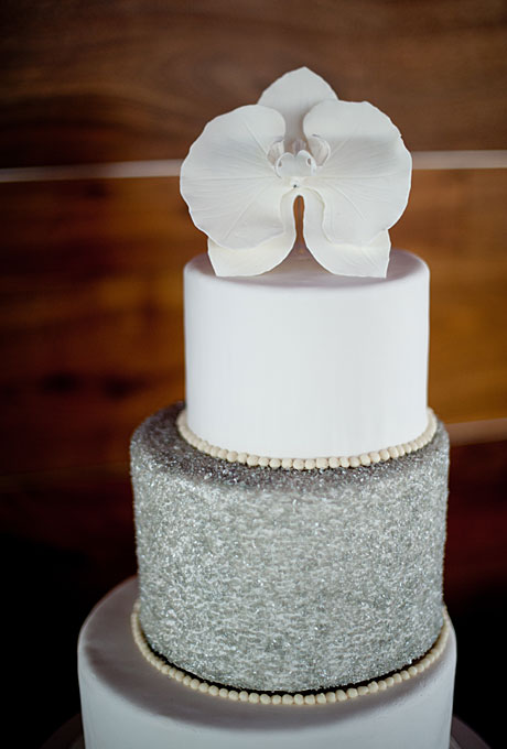 silver wedding cakes   A Wedding Cake Blog Winter White Wedding Cake