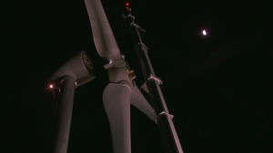 blades-attaching-with-moon