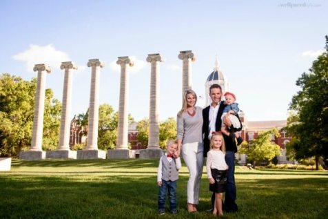 Womens mix & match outfits for fall family photographs