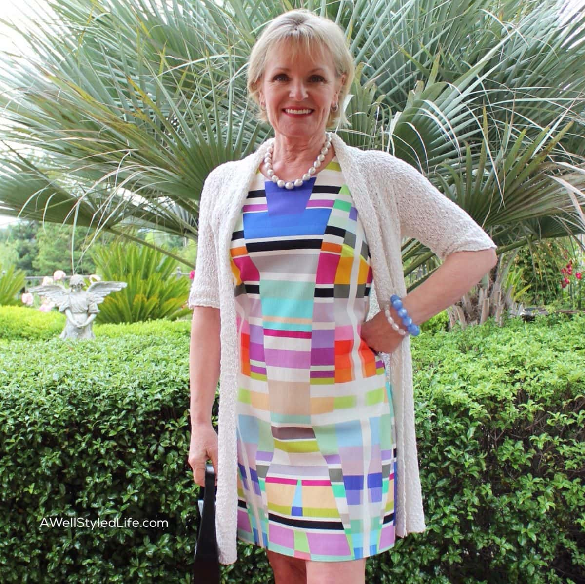 Dresses for Women Over 50: Obsolete or Wearable