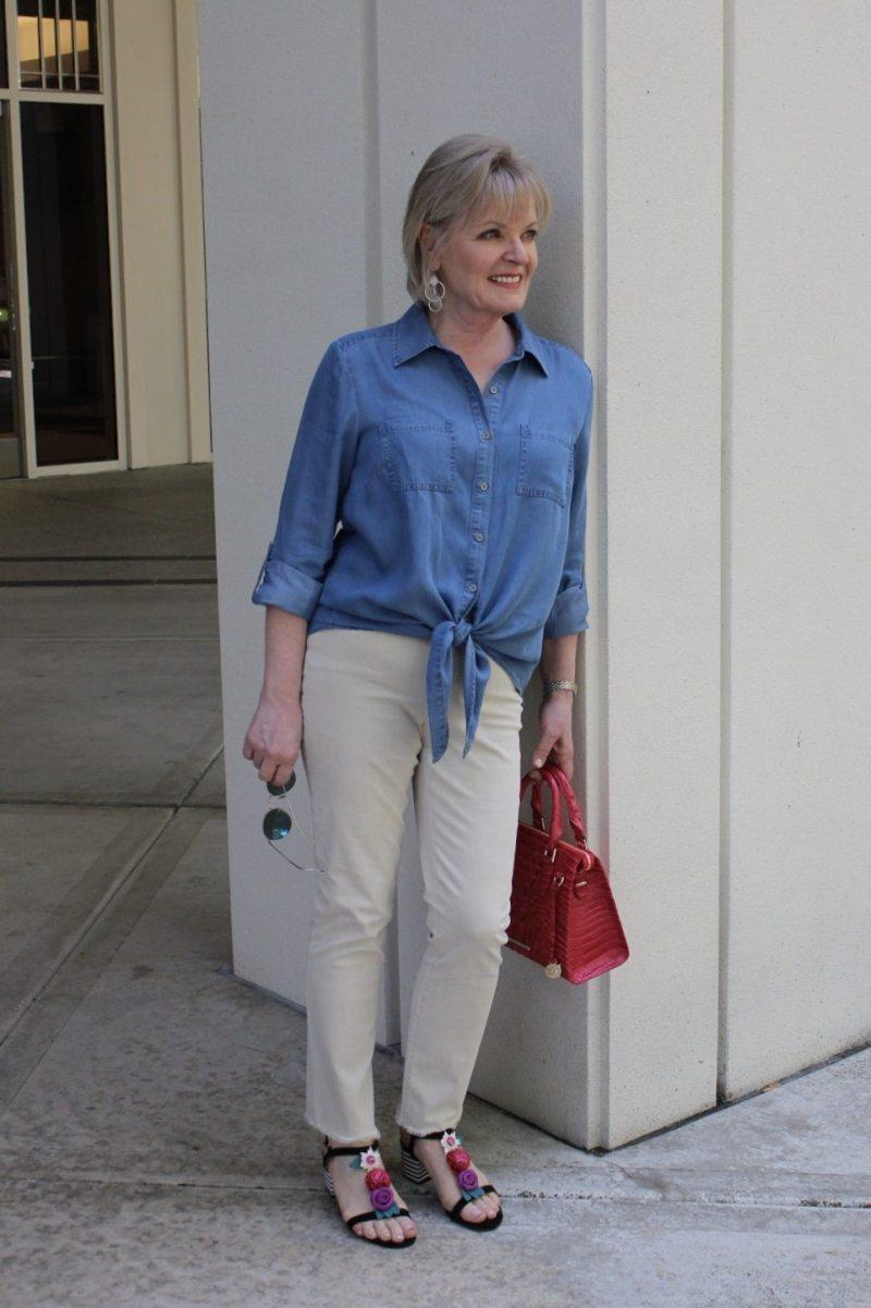 Jennifer Connolly wearing NYDJ from Macy's