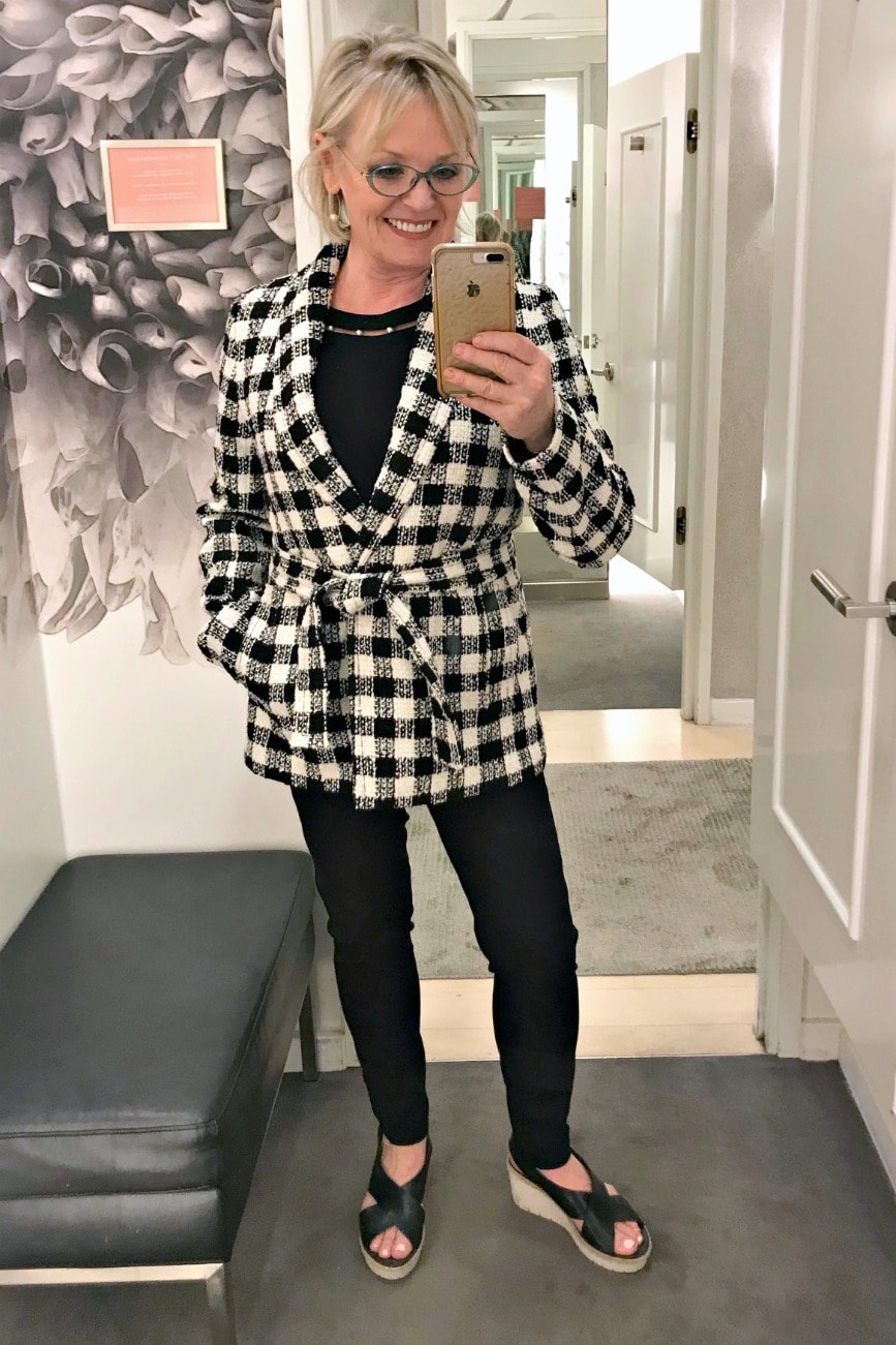 Jennifer Connolly of A Well Styled Life modeling Ann Taylor clothes from the fall 2018 collection