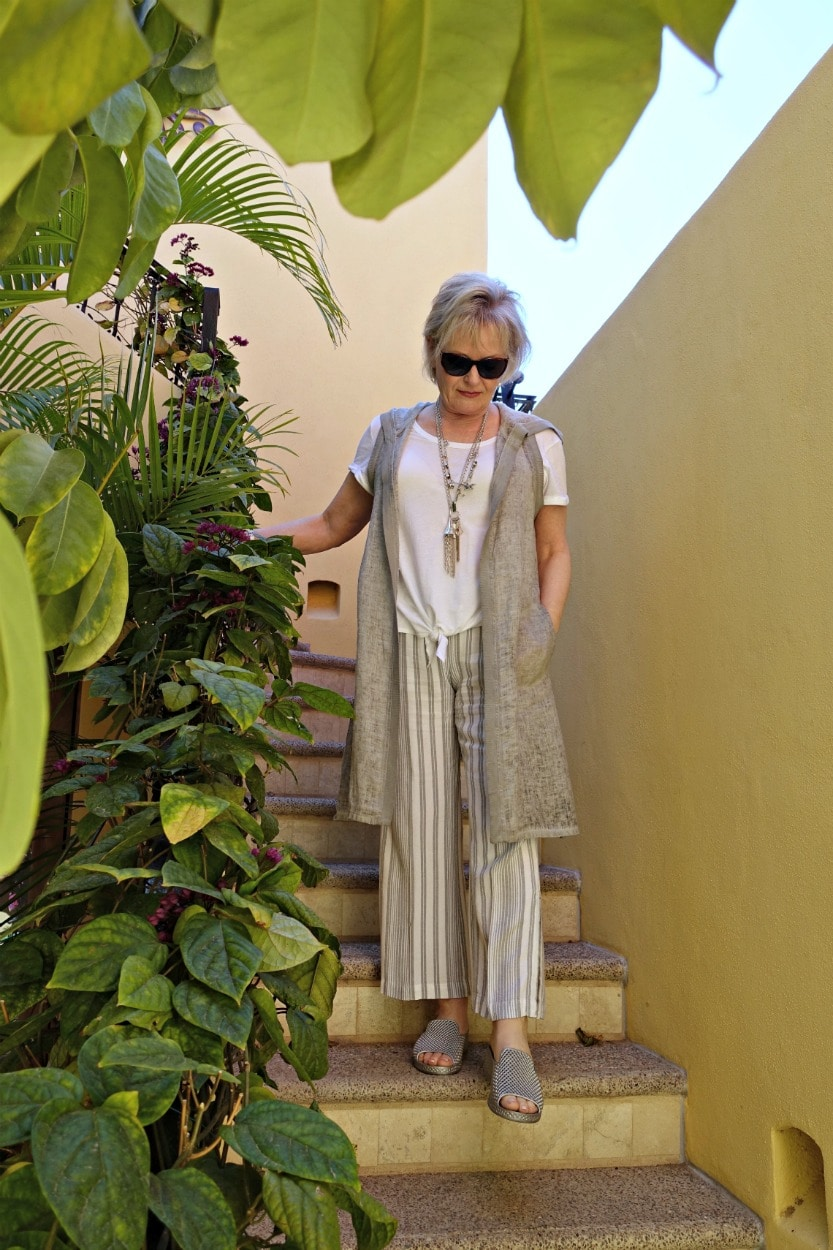 Jennifer Connolly of A Well Styled Life transitioning her wardrobe with linen and cotton