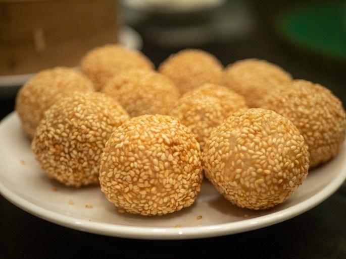 Deep-fried sesame ball
