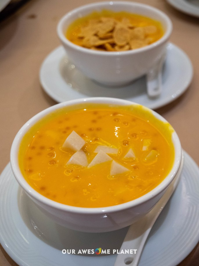 Chilled Mango Cream with Almond Bean Curd