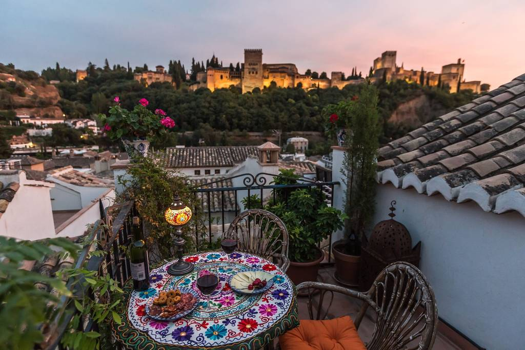 Best Places to Stay in Granada: apartments with a view of the Alhambra