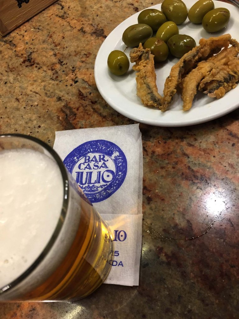 8 Great Tapas Bars in Granada: try these tapas bars on your trip