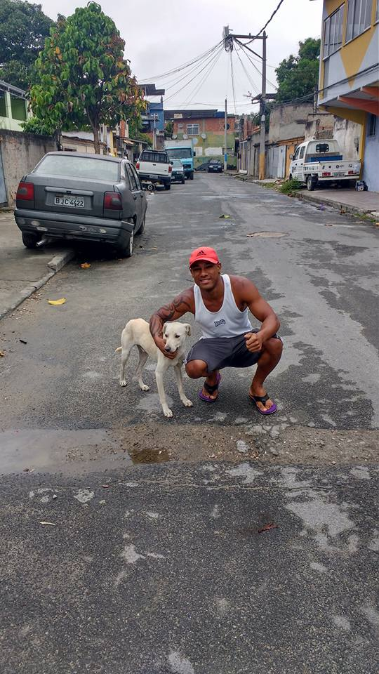 Heinze Sánchez with his new buddy Enzo on the streets