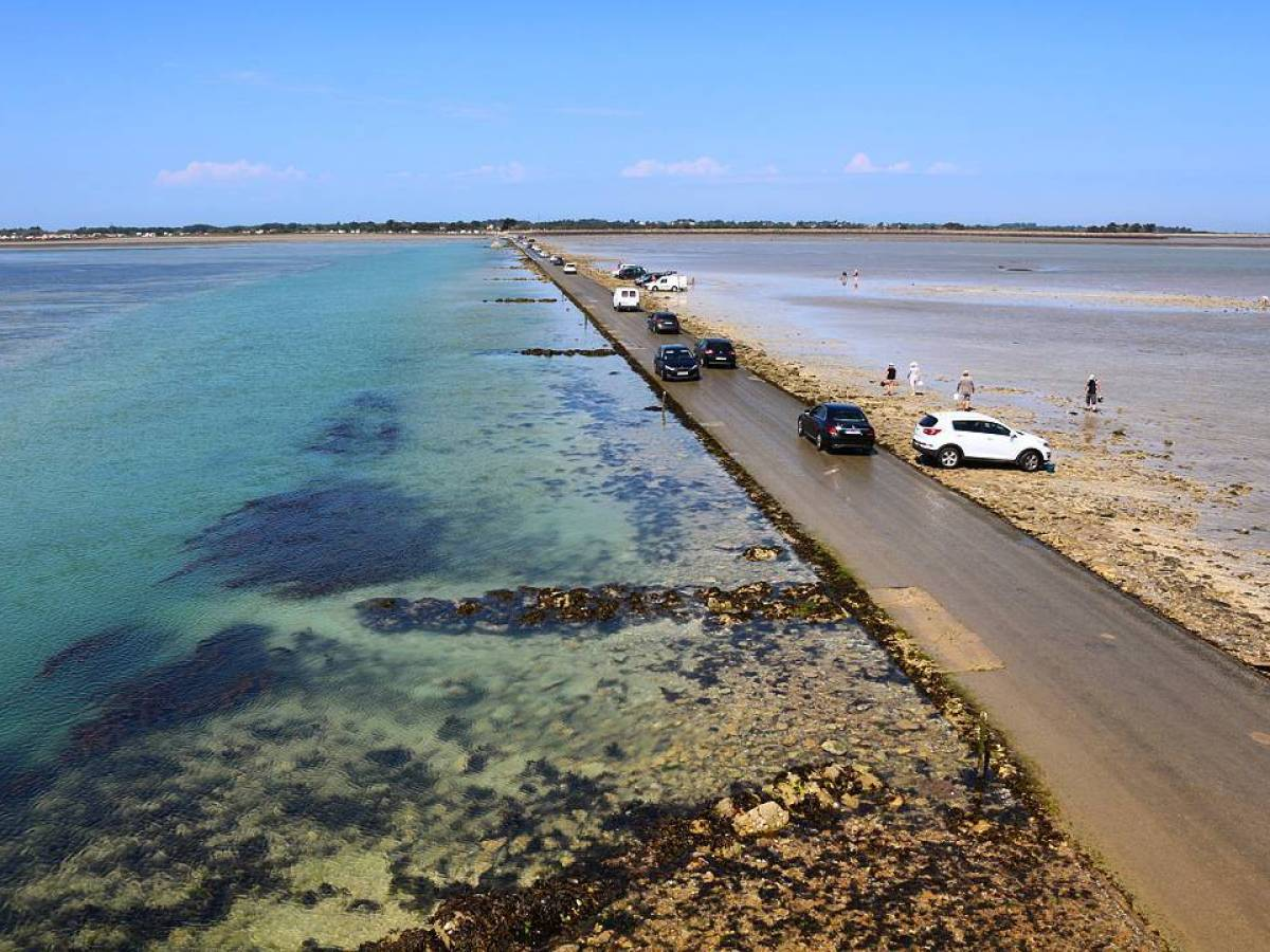Passage du Gois - The Invisible Road In France